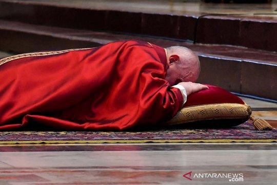 Paus malu Gereja tidak memprioritaskan korban pelecehan di Prancis