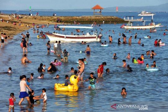 Liburan Paskah di Pantai Mertasari Sanur
