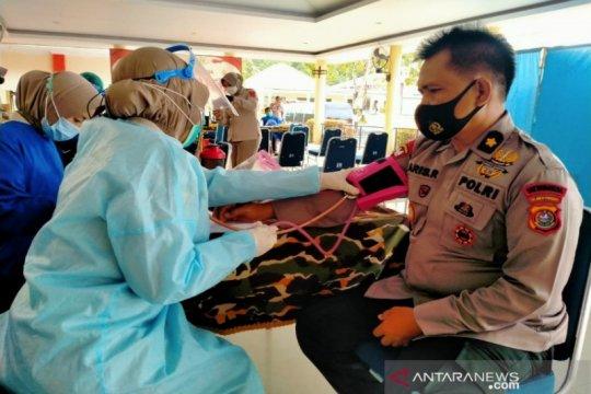 Cek Fakta: Anggota Brimob Maluku meninggal usai divaksin AstraZeneca?