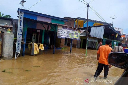 Dua meninggal, 27.808 jiwa terdampak banjir di Kabupaten Bima