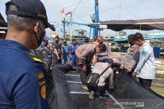 Cari 17 korban kecelakaan laut di Perairan Indramayu, SAR diterjunkan