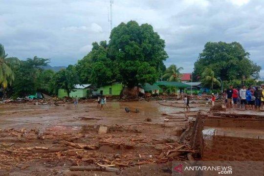 Banjir bandang di Waiwerang-Flores Timur, tiga ditemukan meninggal