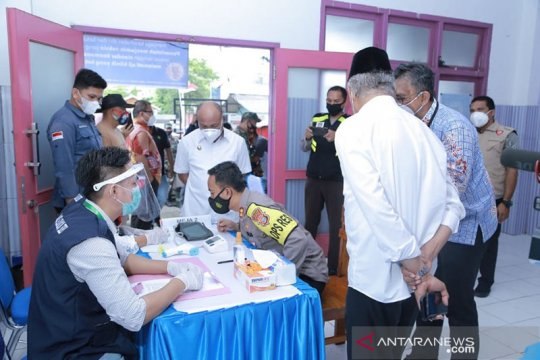 Jamaah calon haji lansia Halmahera Utara-Malut divaksin COVID-19