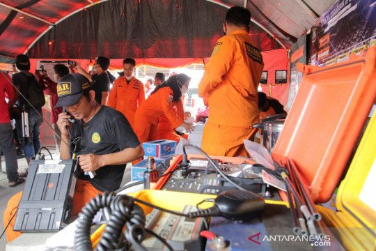 Pencarian korban kapal tenggelam di perairan Indramayu