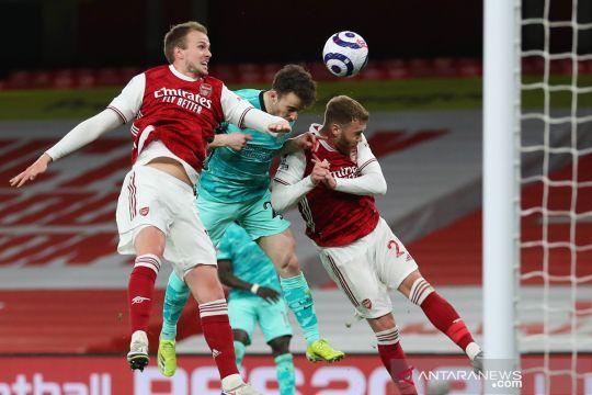Liga Inggris : Liverpool menang telak atas Arsenal 3-0