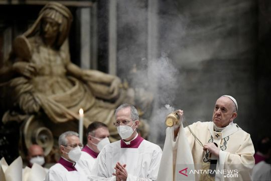 Paus pimpin misa Minggu Paskah di Vatikan