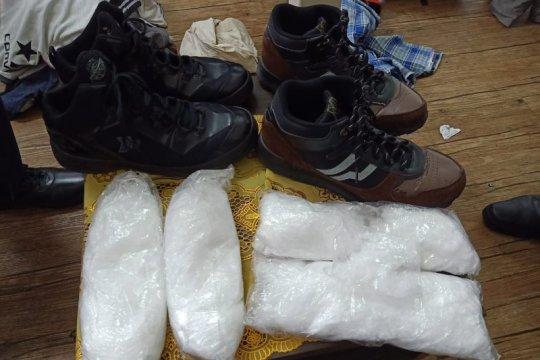 Petugas keamanan Bandara Kualanamu tangkap dua penumpang bawa sabu