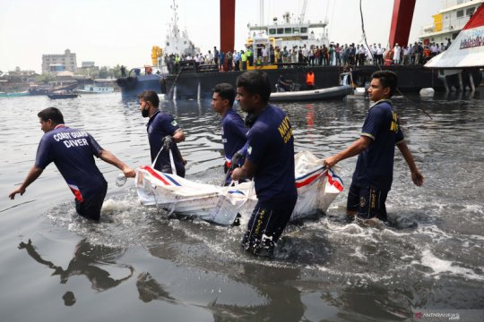 Korban tabrakan feri di Bangladesh