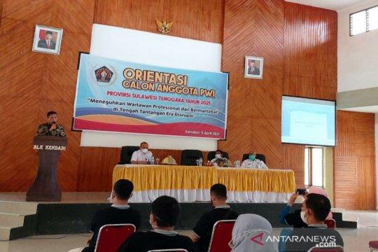 DPRD Sultra ajak wartawan mengkritik dengan memberi solusi