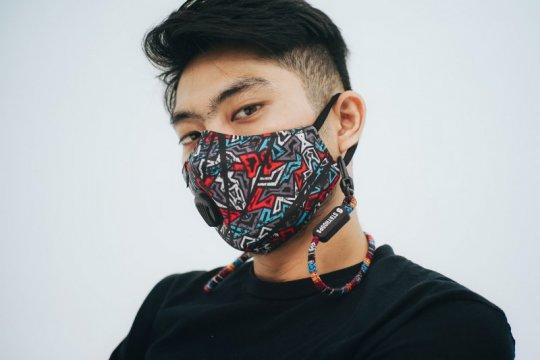 Masker non medis penuh gaya dari Stayhoops