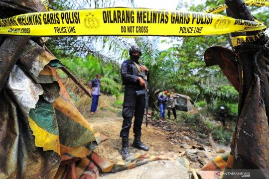 Penertiban sumur minyak ilegal di Jambi