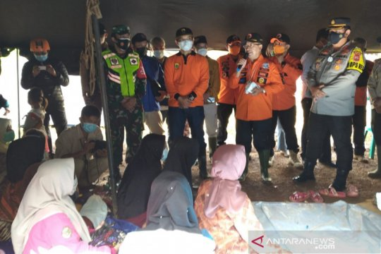 Korban pergerakan tanah di Cianjur berharap kepastian relokasi