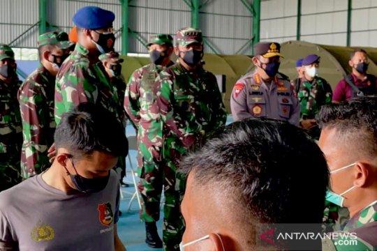 558 anggota TNI/Polri di Natuna disuntik vaksin COVID-19 AstraZeneca