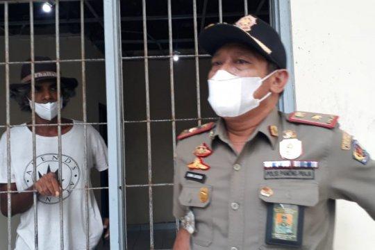 WN India yang palak warga di Denpasar diserahkan ke Imigrasi