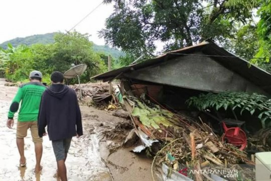 BMKG: Gelombang ekstrem masih berpotensi terjadi dampak Siklon Seroja
