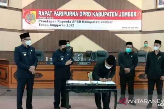 Pemkab dan DPRD Jember akhirnya tetapkan Perda APBD 2021