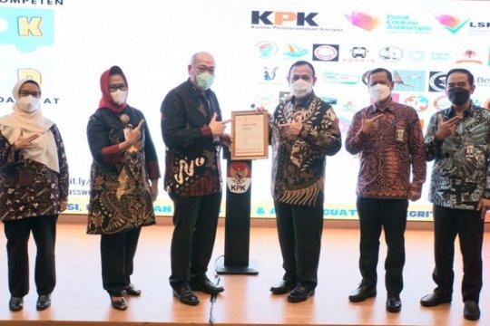BNSP serahkan sertifikat relisensi LSP P2 KPK