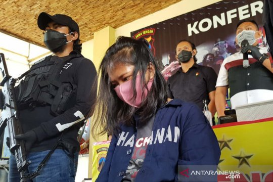 Polisi Semarang tangkap wanita yang bius korban pakai obat tetes mata