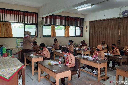 Sudin Pendidikan Jaktim harap uji coba belajar tatap muka lancar