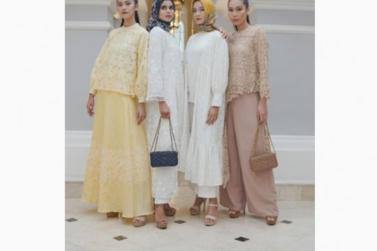 "Sambut Ramadhan, Buttonscarves kenalkan koleksi ""The Royale"""