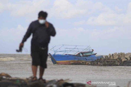Pemkab Indramayu berikan asuransi jiwa bagi nelayan kecil