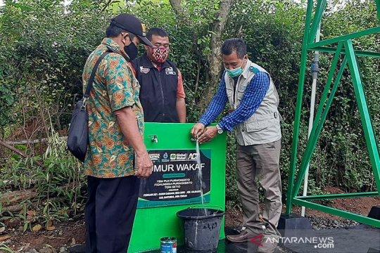 Sumur wakaf bantuan ACT-PLN Purwokerto diserahkan untuk warga desa