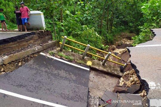 Di Gunung Kidul-DIY 20 unit sistem peringatan dini longsor rusak
