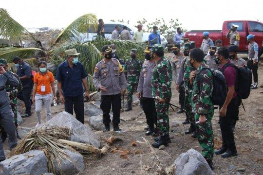 TNI dan Polri masih fokus evakuasi korban bencana di NTT