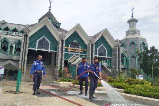 Jelang Ramadhan Damkar-BPBD Makassar sterilisasi 1.700 masjid