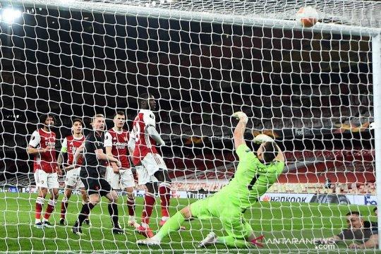 Arsenal diimbangi Slavia Praha 1-1 di leg pertama