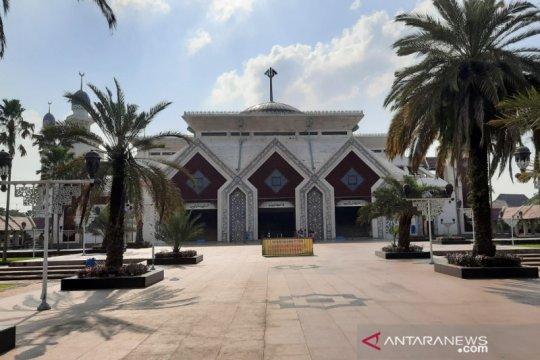 Masjid Agung At-Tin batasi jamaah shalat tarawih antisipasi COVID-19