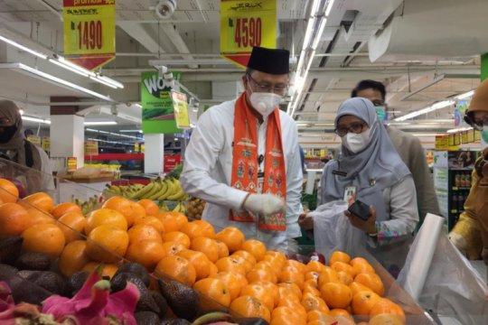 Wali Kota Jakarta Pusat cek kelayakan pangan pasar modern
