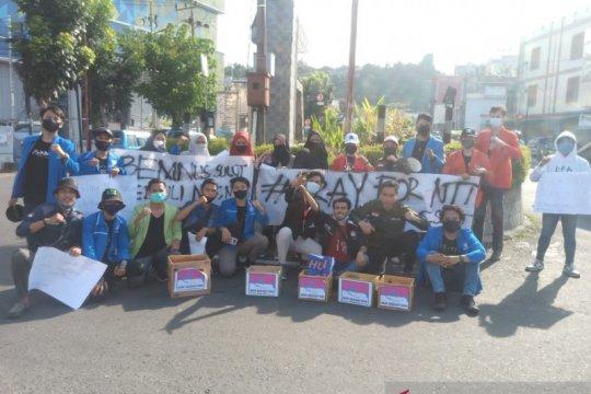 BEM Nusantara galang dana buat korban bencana NTT