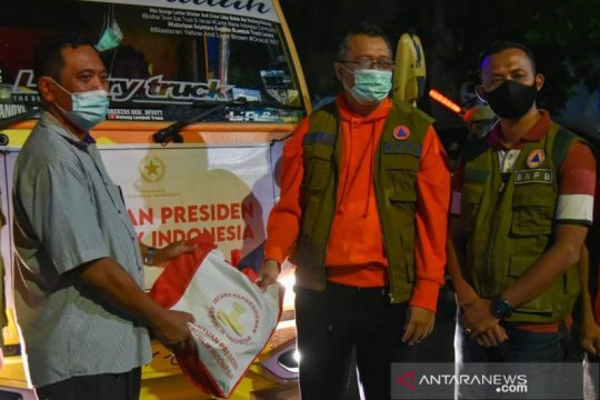 Presiden Jokowi kirim 13 ribu paket sembako untuk korban banjir Bima
