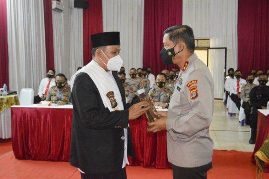 Kapolda Lampung berikan penghargaan kepada Dai Kamtibmas