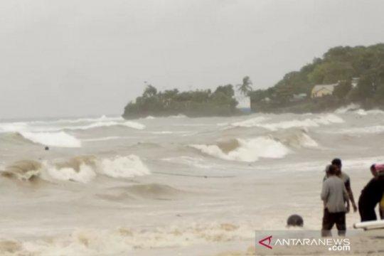 Diterjang badai, dua nelayan Sabu Raijua terdampar di Australia