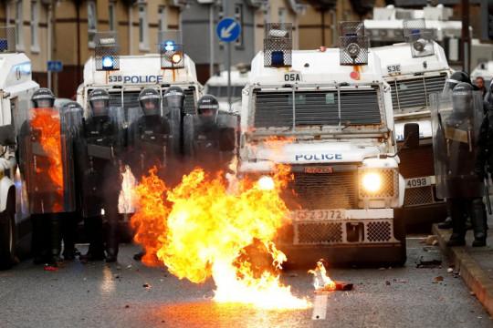 Polisi Irlandia Utara dakwa dua orang atas pembunuhan jurnalis