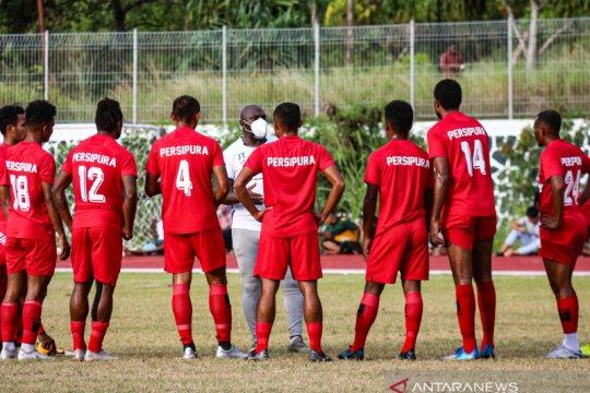 Jacksen: Fisik dua pemain asing Persipura masih ketinggalan