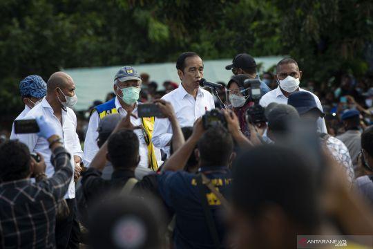 Presiden singgah sekitar sejam di lokasi bencana Desa Nelelamadike NTT
