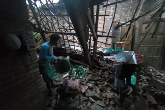 Korban terdampak gempa di Tulungagung berharap mendapat bantuan