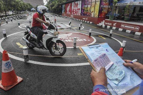 Layanan SIM Keliling ada di lima lokasi