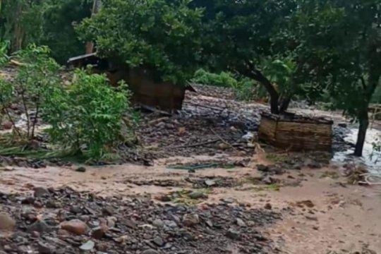 Ratusan warga Beloto Flores Timur terisolasi akibat jembatan terputus
