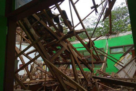 Sejumlah fasilitas publik di Trenggalek rusak terdampak gempa