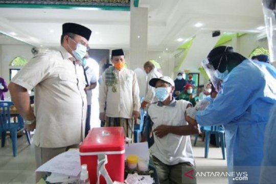 Gubernur Babel pantau vaksinasi COVID-19 tokoh agama jelang Ramadhan
