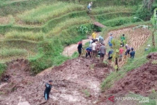 Tebing longsor di Kabupaten Bandung, satu warga meninggal dunia