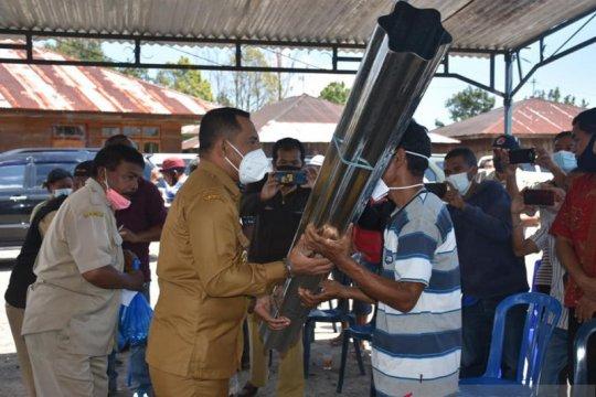Bupati Manggarai distribusi bantuan bagi korban bencana alam