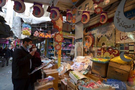 Belanja dekorasi Ramadhan di Amman Yordania