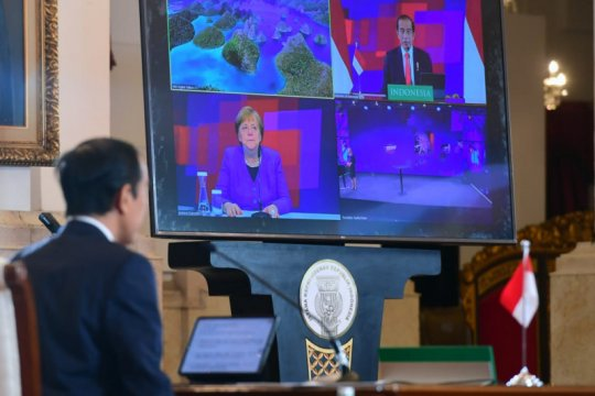 Kemarin, Presiden ajak Jerman bermitra hingga IHSG anjlok 2 persen