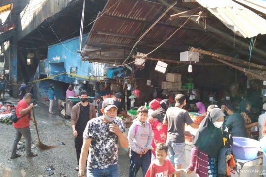Aktivitas jual beli di Pasar Minggu berangsur normal