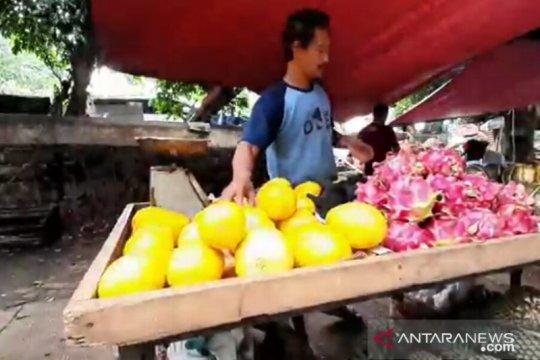 Pedagang takjil di Pasar Klender berharap Ramadhan ini banyak pembeli